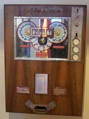 Ancienne machine à sous fabriquée en 1960